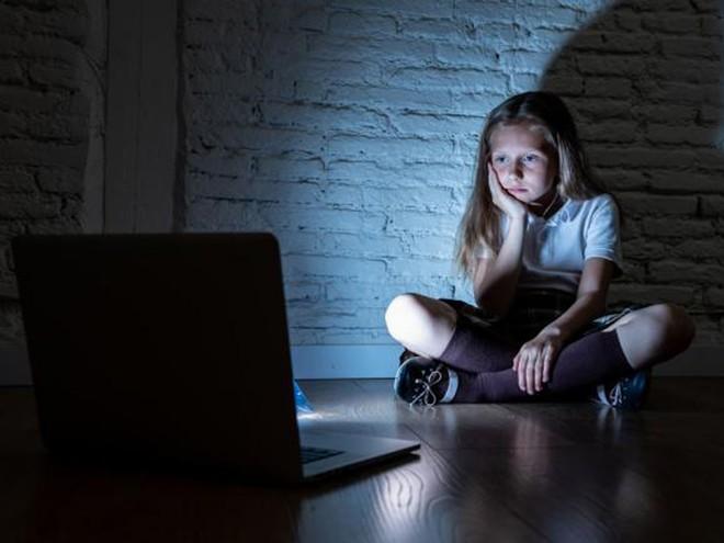 5 Cách Bảo Vệ Con Trẻ Khi Lên Mạng Internet