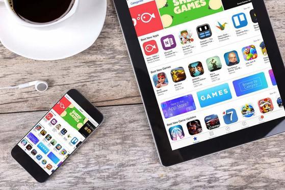 Apple và Google chặn truy cập hàng chục ứng dụng Trung Quốc