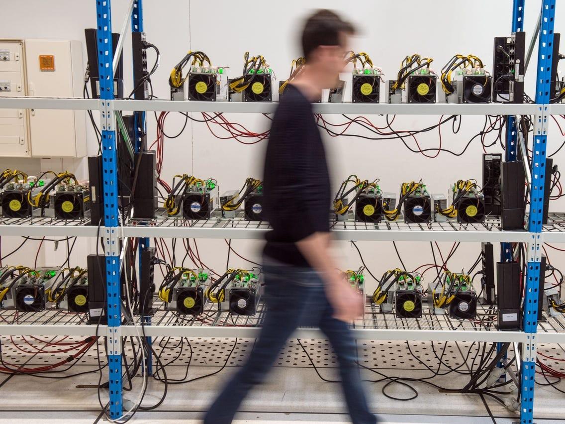 New York Đề Xuất Dự Luật Ngừng Khai Thác Bitcoin